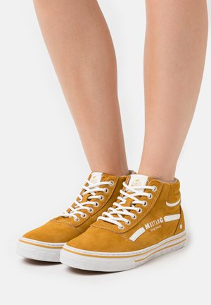 High-top trainers - gelb
