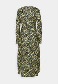 Missguided Tall - HALF BUTTON MIDI DRESS FLORAL - Korte jurk - yellow - 1