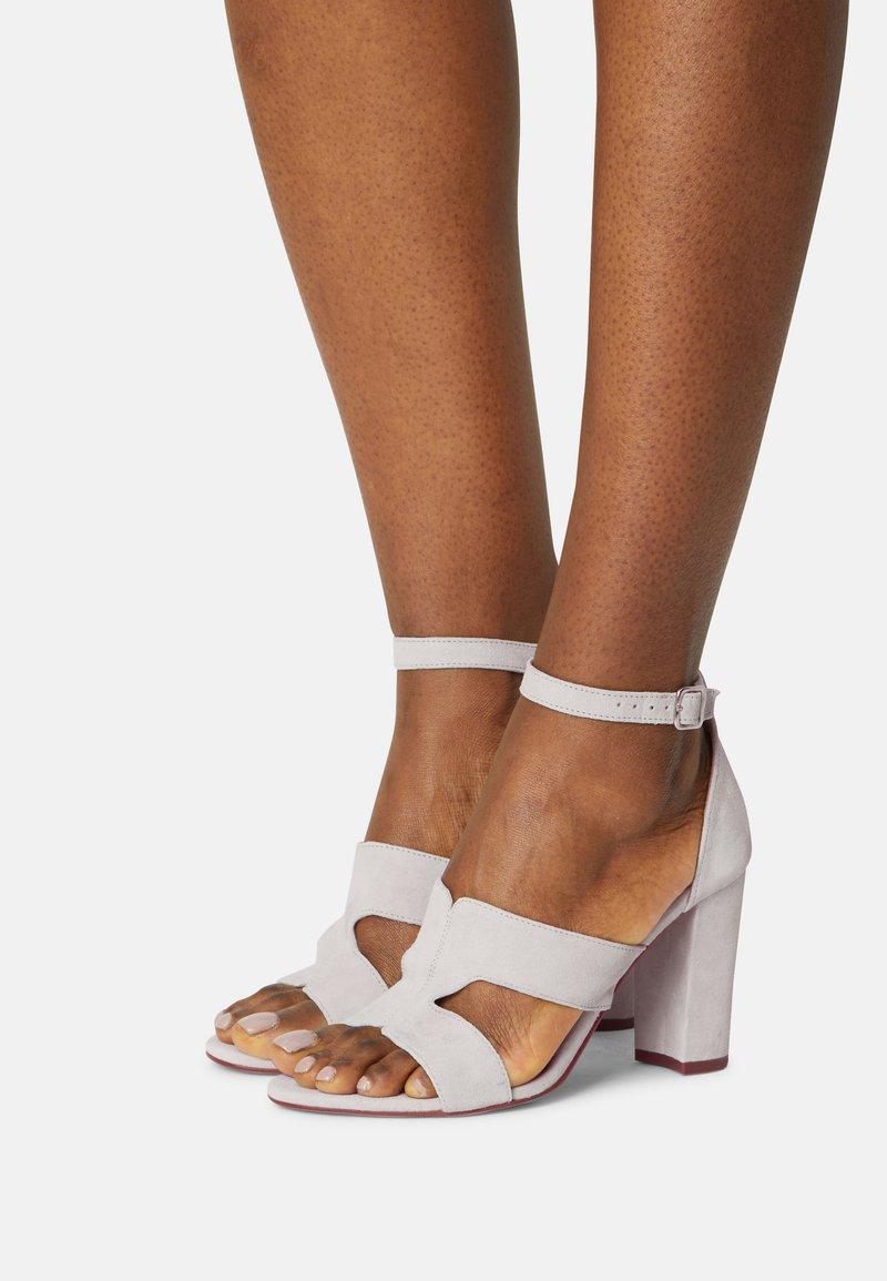 Tamaris - Sandals - light grey