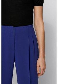 BOSS - TAPIA - Pantaloni - dark purple - 3