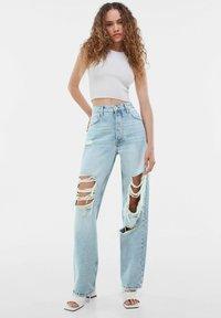 Bershka - Jeansy Straight Leg - light blue - 1