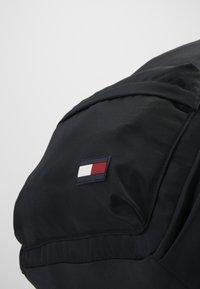 Tommy Hilfiger - CORE BACKPACK - Tagesrucksack - black - 2