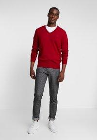 GANT - EXTRAFINE VNECK - Stickad tröja - red - 1