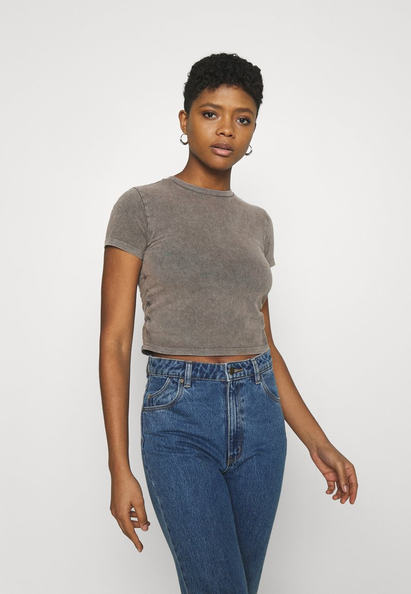 BDG Urban Outfitters - RUCHED CROP - T-shirt imprimé - washed black