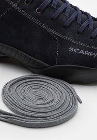 Scarpa - MOJITO GTX UNISEX - Hiking shoes - deep night - 5
