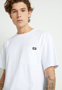Dickies - PORTERDALE POCKET - Basic T-shirt - white - 4
