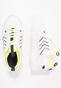Hummel - POWER PLAY MID  - Trainers - white/safety yellow - 0