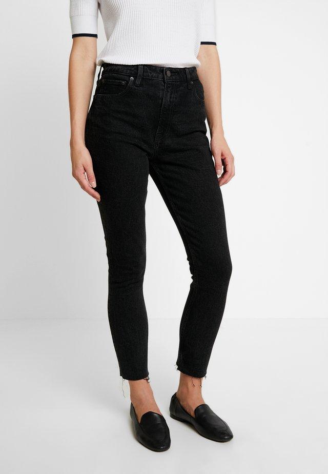 Slim fit jeans - medium