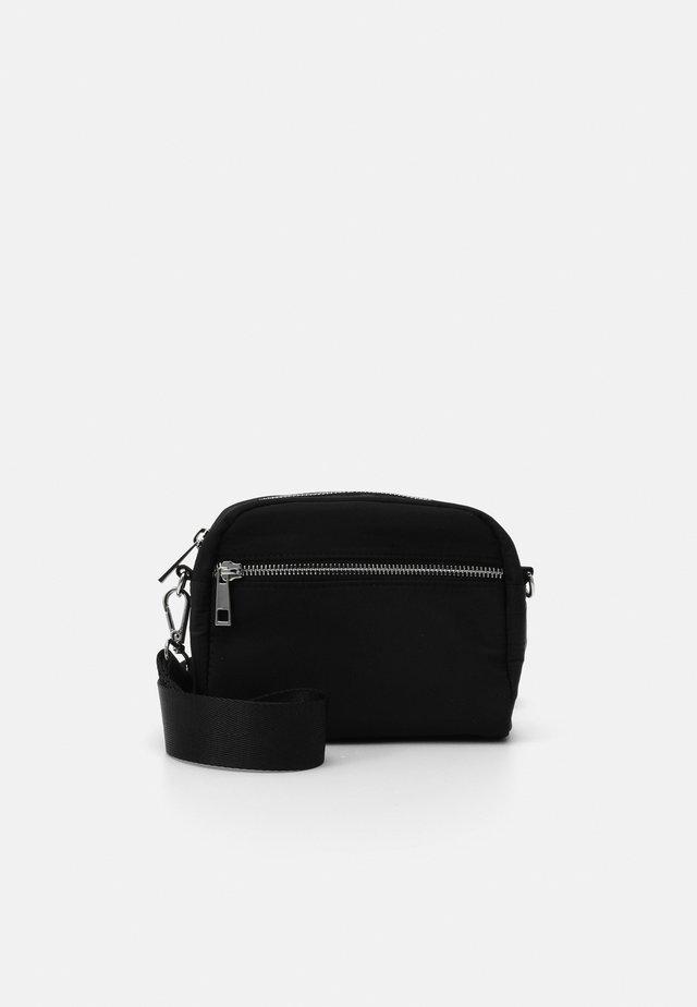 BAG HELLE - Bandolera - black
