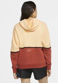 Nike Sportswear - HOODIE ARCHIVE - Hoodie - orange chalk/firewood orange/white - 2