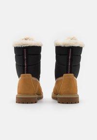 Timberland - 6 INCH HERIT PUFFER - Winter boots - wheat - 3