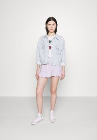 Hollister Co. - CHAIN RUFFLE HEM - Shorts - lavender gingham - 1