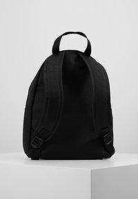Calvin Klein Jeans - SPORT ESSENTIALS CAMPUS - Batoh - black - 3