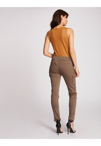 Morgan - WITH LARGE STRAPS AND STRIP - Top - ochre - 2