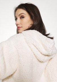 Miss Selfridge - OVERSIZED HOODY - Fleece jumper - cream - 5