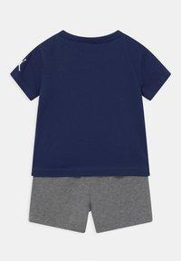 Jordan - JUMPMAN SET UNISEX - Print T-shirt - carbon heather - 1