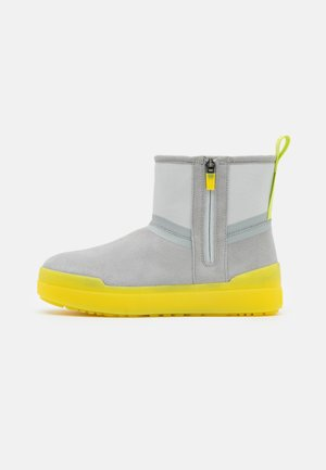CLASSIC TECH MINI - Winter boots - grey