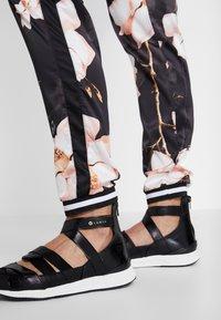 Luhta - AIKKOLA - Pantalones - black - 4