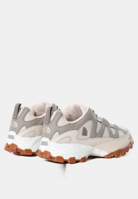 The North Face - W ARCHIVE TRAIL FIRE ROAD - Løbesko trail - pink tint/mineral grey - 5