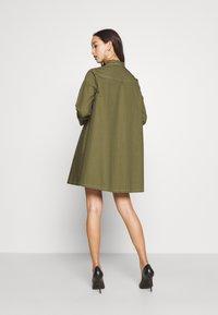 Missguided - CONTRAST STITCH DRESS - Shirt dress - khaki - 4