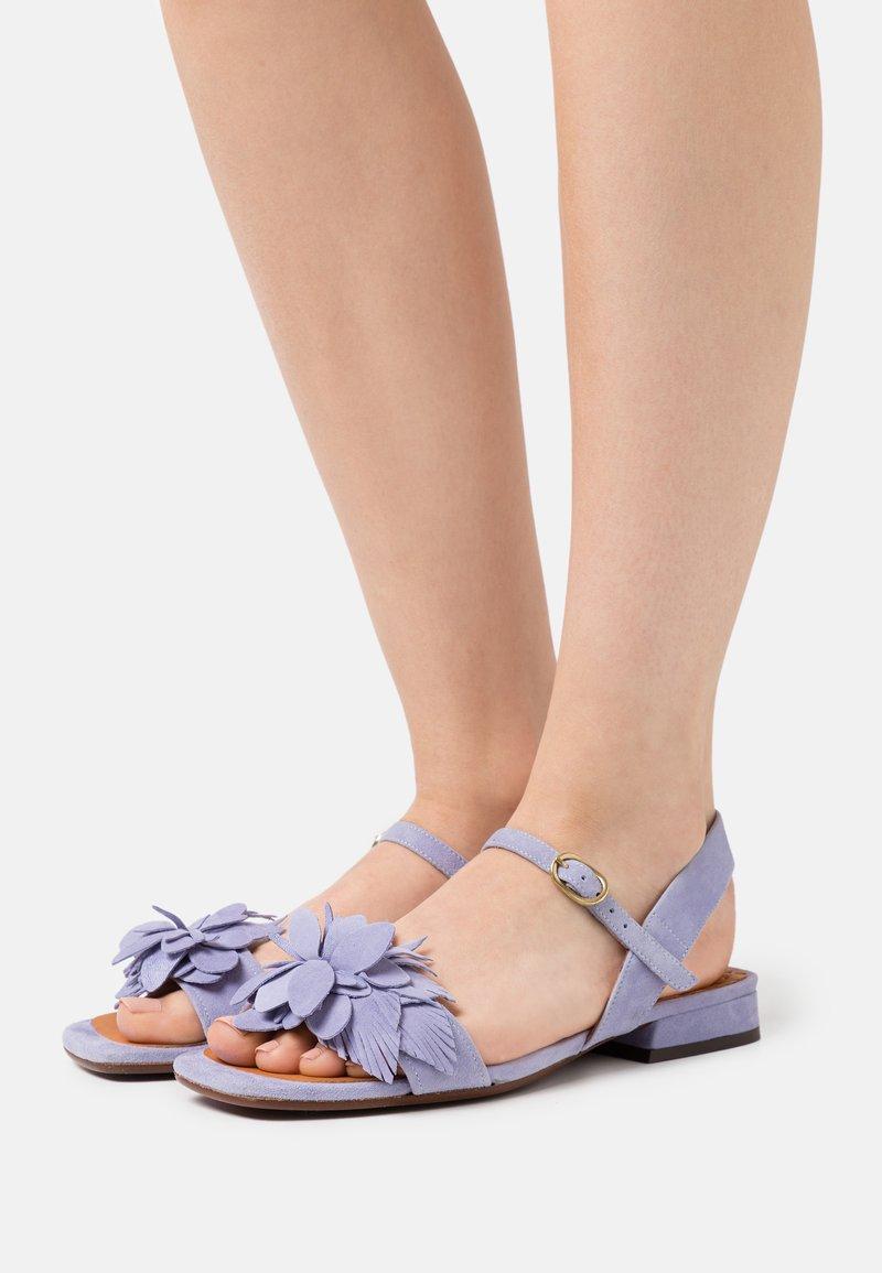 Chie Mihara - TADUL - Sandalen - lilac