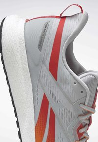Reebok - FOREVER FLOATRIDE ENERGY 2.0 SHOES - Stabilty running shoes - grey - 9