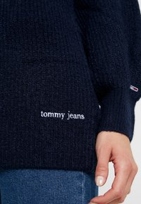 Tommy Jeans - LOFTY TURTLE NECK - Pullover - black iris - 5