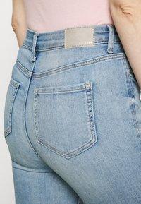 Marks & Spencer London - CARRIE - Jeans Skinny Fit - light blue denim - 4