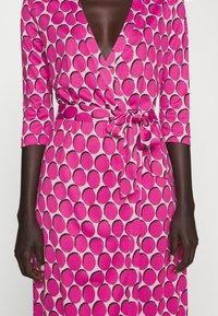 Diane von Furstenberg - ABIGAIL - Maksimekko - pink - 5