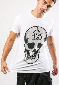 Ed Hardy - SKULL-13 T-SHIRT - Print T-shirt - white - 0