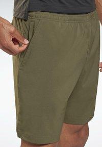 Reebok - UNITED BY FITNESS EPIC+ - Pantalón corto de deporte - green - 3