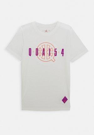 QUAI 54 TEE - Camiseta estampada - sail