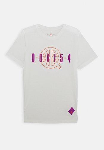 QUAI 54 TEE