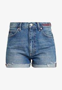 Tommy Jeans - HOT PANT SHORT ADRMR - Denim shorts - adour mid blue - 3