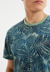 WE Fashion - Print T-shirt - all-over print - 3