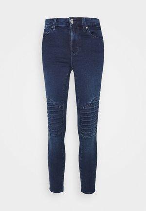 ONLROYAL LIFE REG BIKER PETIT - Jeans Skinny Fit - dark blue denim