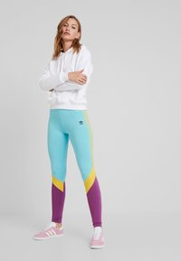 adidas Originals - TIGHTS - Leggings - Trousers - easy mint - 1