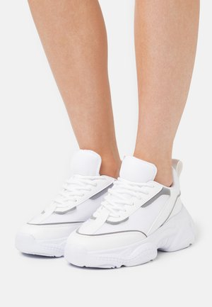 SLIM FIT MIX TRAINERS - Trainers - white