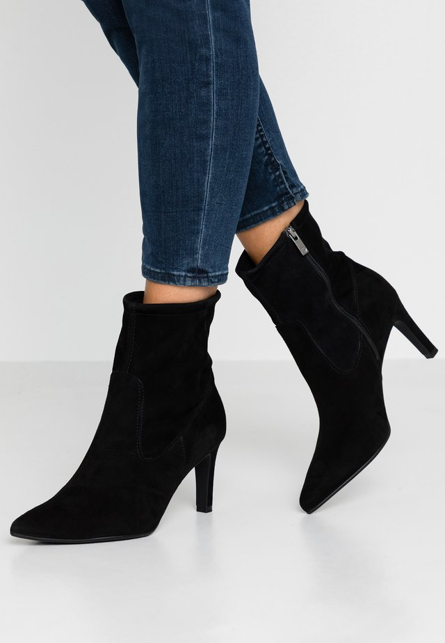 WIDE FIT AGNETA - Classic ankle boots - schwarz