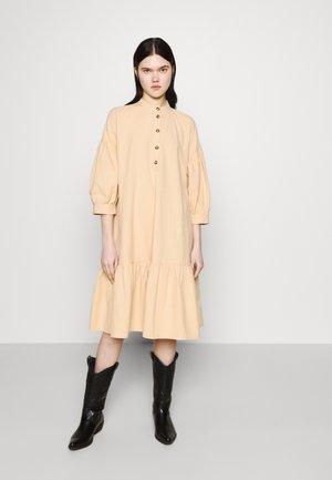 YASERICA 3/4 DRESS - Shirt dress - pebble