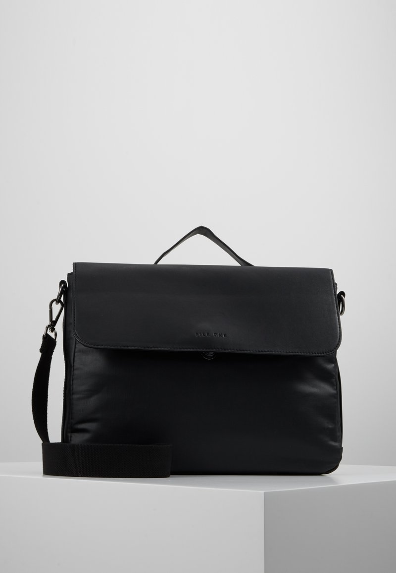 Pier One - Briefcase - black