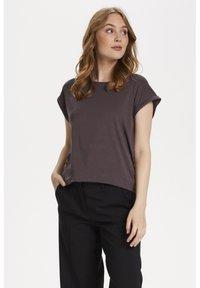 Saint Tropez - ADELIA - Basic T-shirt - huckleberry - 0