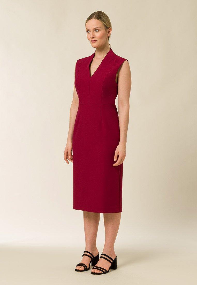 IVY & OAK - HIGH COLLAR DRESS - Tubino - cassis sorbet