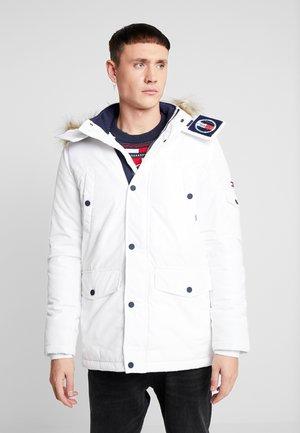 Płaszcz zimowy - classic white