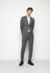 HUGO - ARTI HESTEN - Suit - medium grey - 0