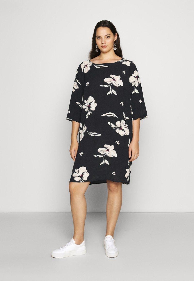 ONLY Carmakoma - CARTINE TUNIC DRESS - Day dress - black