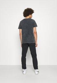 Redefined Rebel - RRHAYDEN PANTS - Tracksuit bottoms - black - 2