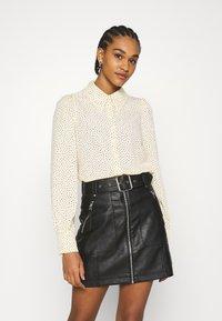 Monki - Button-down blouse - light yellow - 0