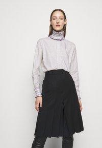 Victoria Beckham - RUFFLE  - Button-down blouse - ecru/purple - 0