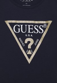 Guess - JUNIOR CORE - T-shirt print - dark blue - 2